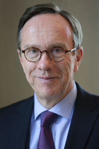 """Matthias Wissmann ist Präsident des Verbandes der Automobilindustrie (VDA): """"Die Automobilhersteller haben dafür gesorgt, dass alle Fahrzeuge, optional mit DAB+-Radios ausgestattet werden können."""""""