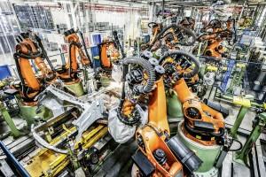 Automatisierte Produktion bei Daimler (Quelle: Daimler AG)