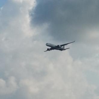 Es gibt Flugzeuge oben und Flugzeuge unten.