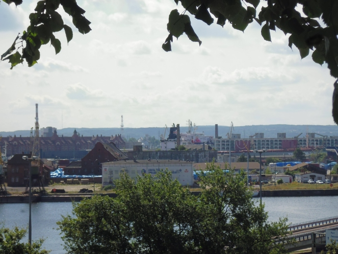 God bye Sczcecin harbour... we are traveling Northward.