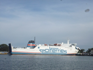There is a ship waiting for traveling further North.... next stop Copenhagen!!! From there on to Norway and Oslo. WOW