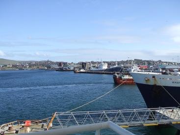 """""""Shetland ist eine Insel für Weicheier. Handel und so. Aber das ist ja sowieso schottisch."""""""