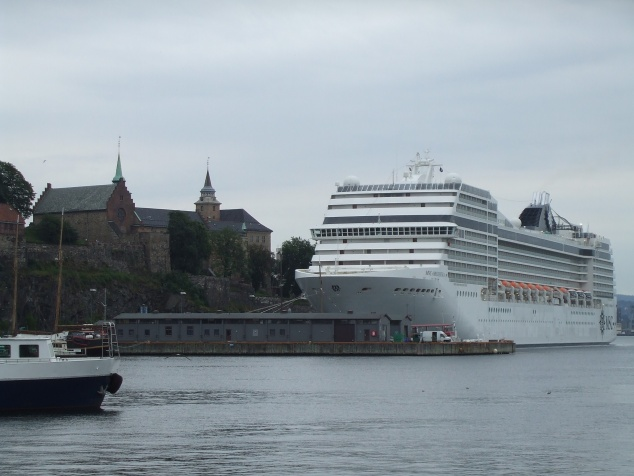 Booked a passage for Sickboy and me. The Princess of Denmark will carry my dear cycle and me to Kobenhavn.