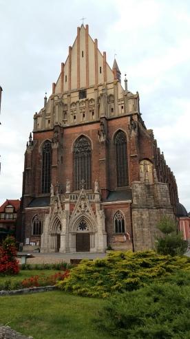 Von außen atemberaubend aber nicht soooo schön: Bazylika św. Jakuba i św. Agnieszki w Nysie. Wir haben hier geschlafen ... http://www.villanavigator.pl/ ... Toll!!!